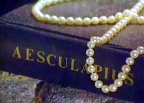 Pearls as seen in Helen's vision
